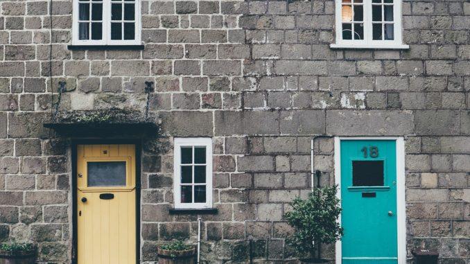 Fenster und Türen bei einer Eigentumswohnung