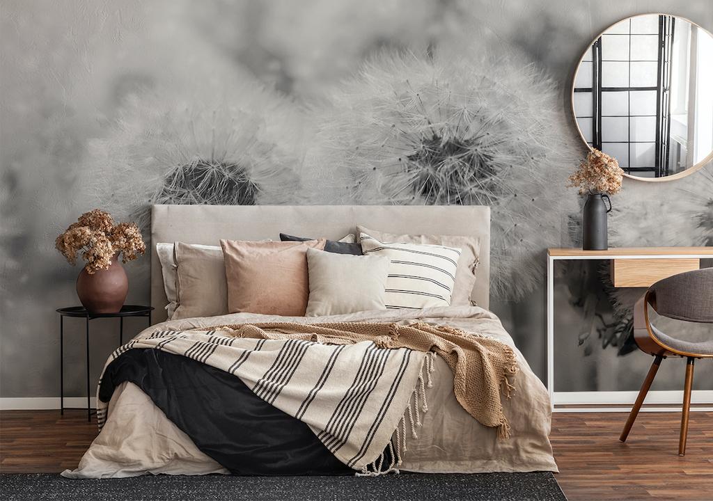 Graue Fototapete mit Pusteblume im Schlafzimmer